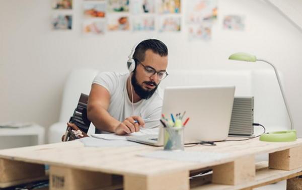 Todo lo Que Debes Aprender Sobre el Teletrabajo En Estos Cursos Para Freelancers