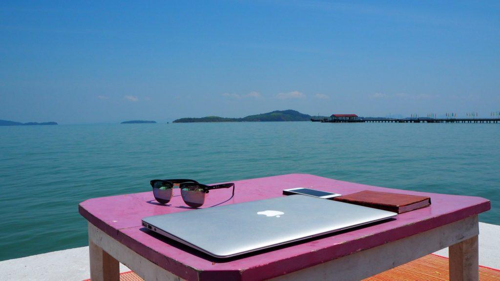 El trabajo online en la mochila